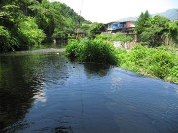 谷村大堰の取水口